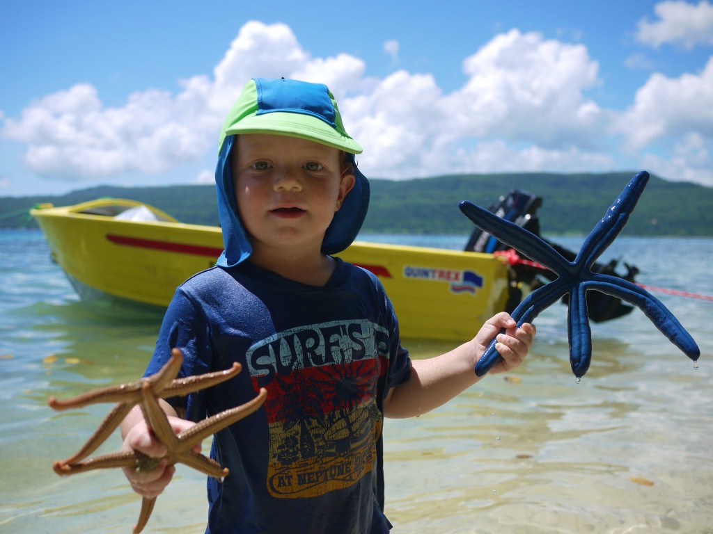 Alex holding stafish, Lelapa